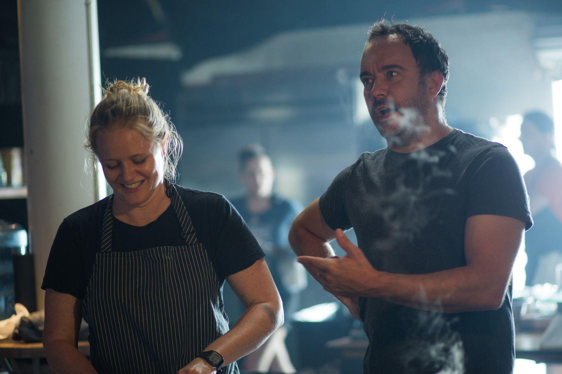 Dave\'s hot in the kitchen! | Dave Matthews Band | Pinterest | Dave ...