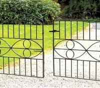 Unique in style, the Monaco metal drive gates will look stunning fitted to the front of any modern property