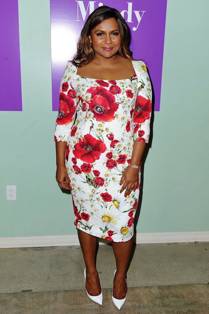 Mindy Kaling Found The Most Flattering Floral Dress In All The Land Best Celebrity Dresses Mindy Kaling Style Event Dresses