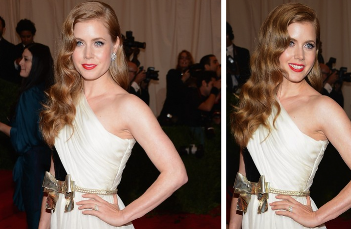 Sensing a red carpet trend - side swept hair with loose waves. Plus bright lips. Love.