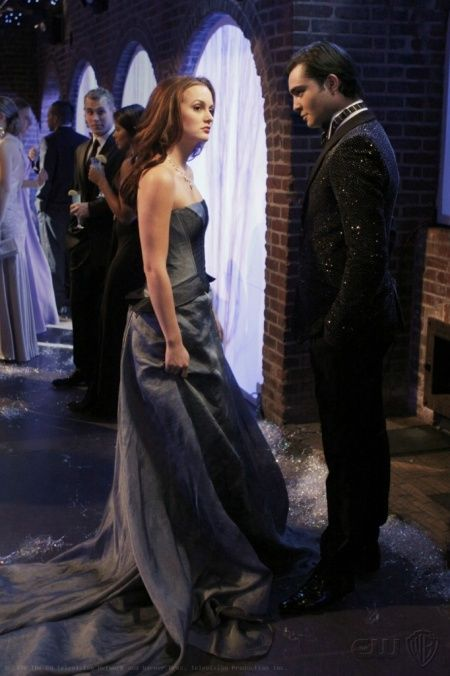 "Blair Waldorf wearing Carolina Herrera and Chuck Bass at the Snowflake Ball in the episode ""It's a Wonderful Lie""........."