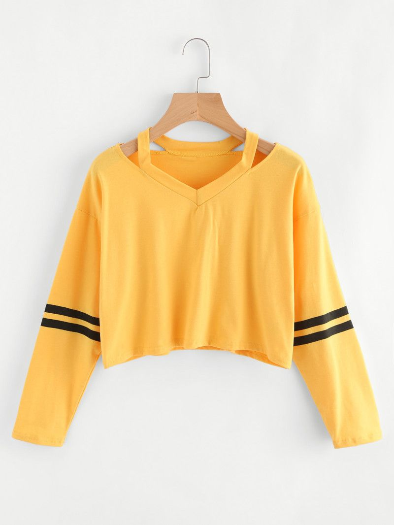 c42453f5b81a8 Cut Out Neck Varsity-Striped Tee | Fashion aesthetic | Casacos ...