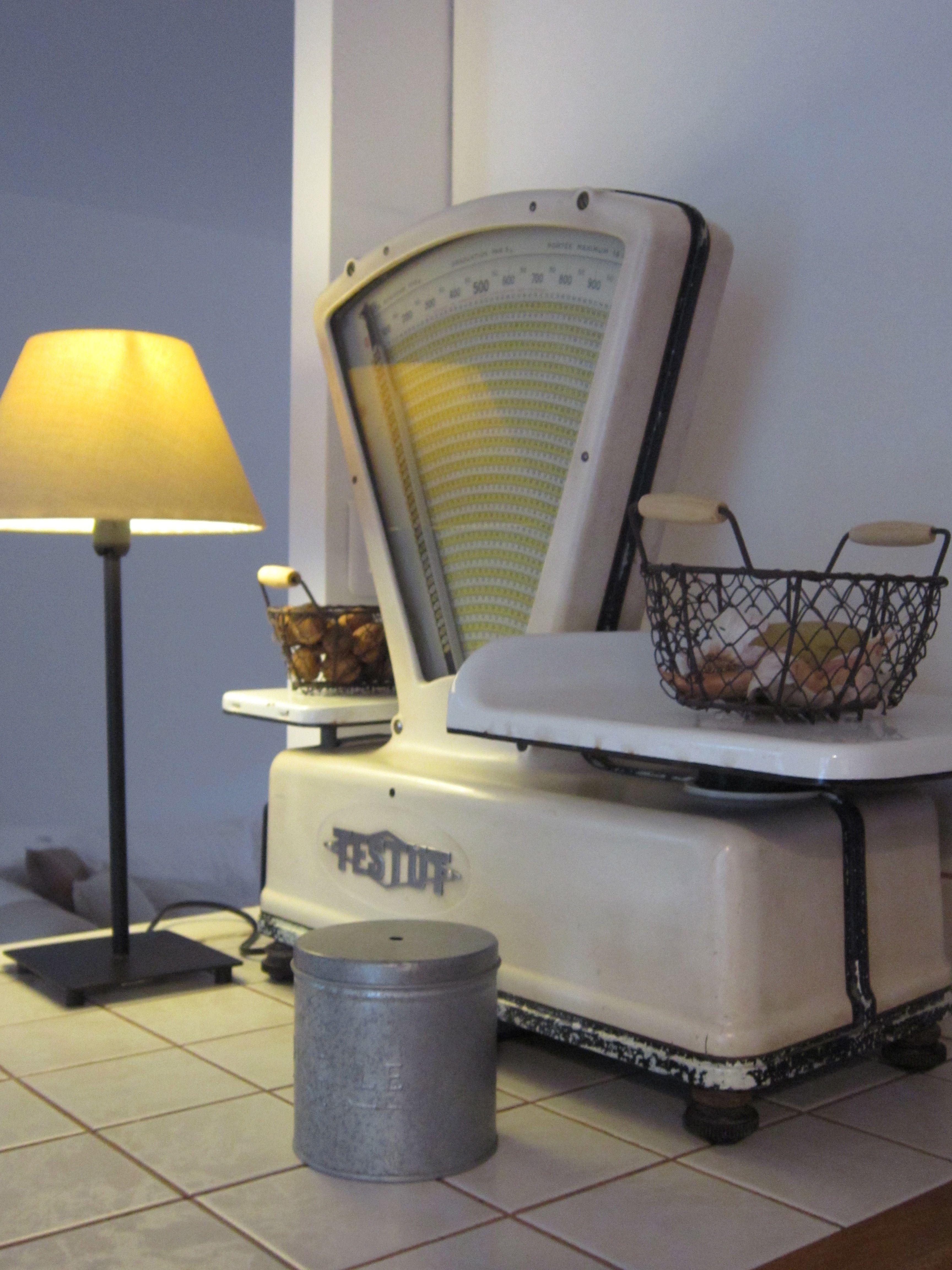 balance testut vintage scales pinterest. Black Bedroom Furniture Sets. Home Design Ideas