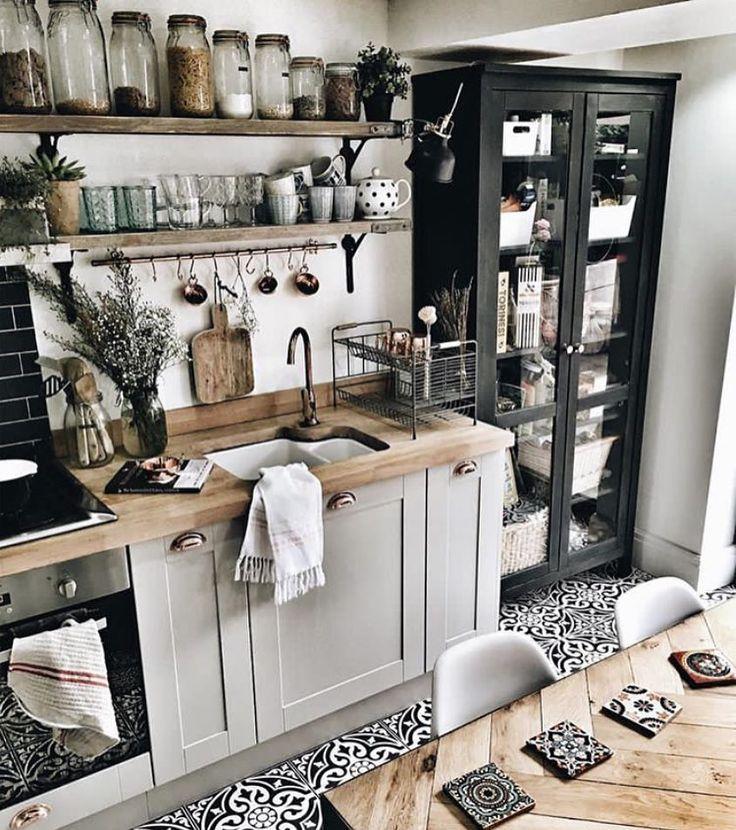 Helle #Küche im #Landhausstil modern, mit viel Holz Schöne - küche landhaus weiß