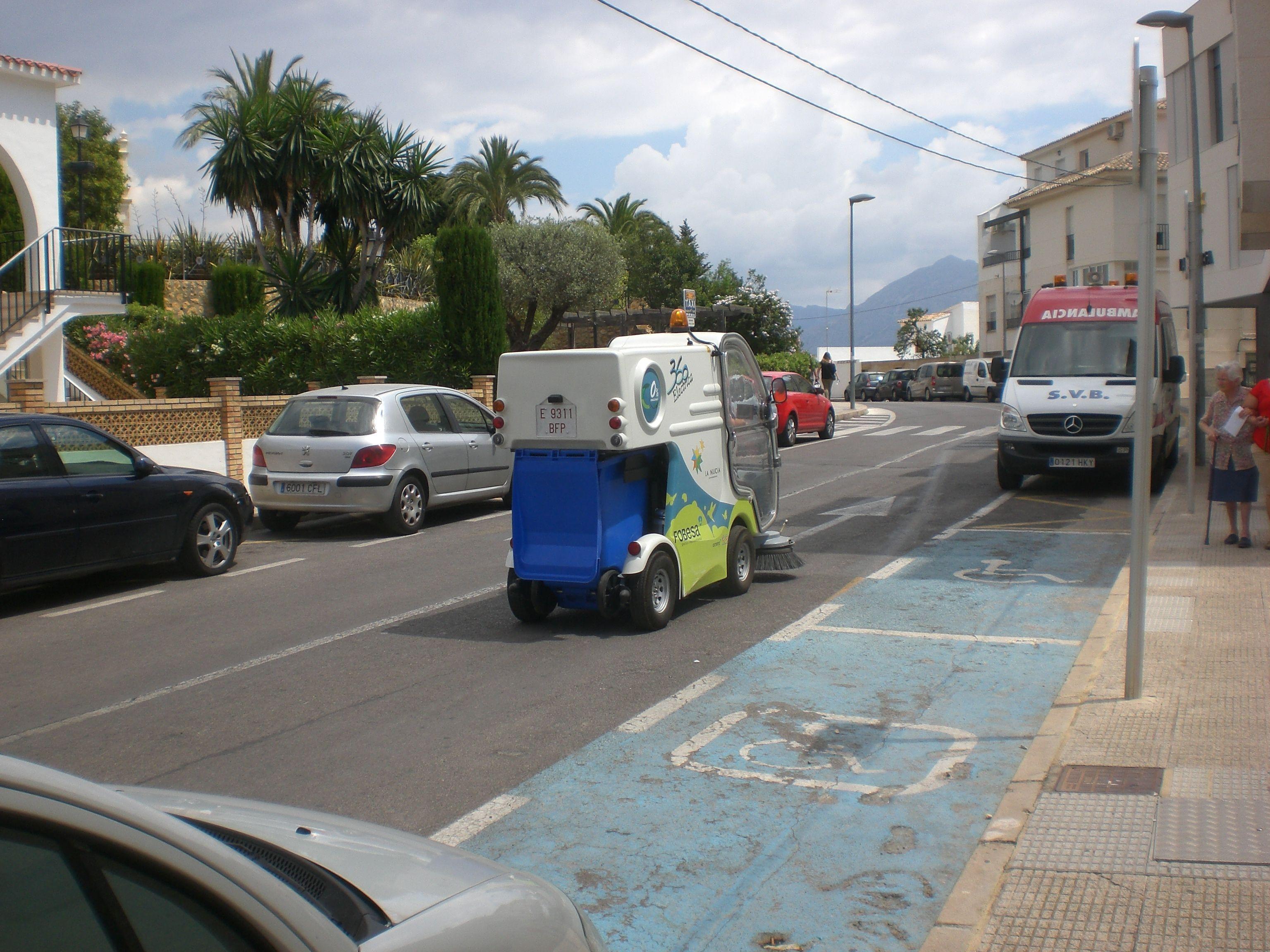 ...new addition.....Formula 1 roadsweeper