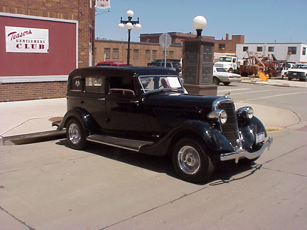 1934 dodge 4 door sedan dodgebrothers kc pinterest for 1934 plymouth 2 door sedan