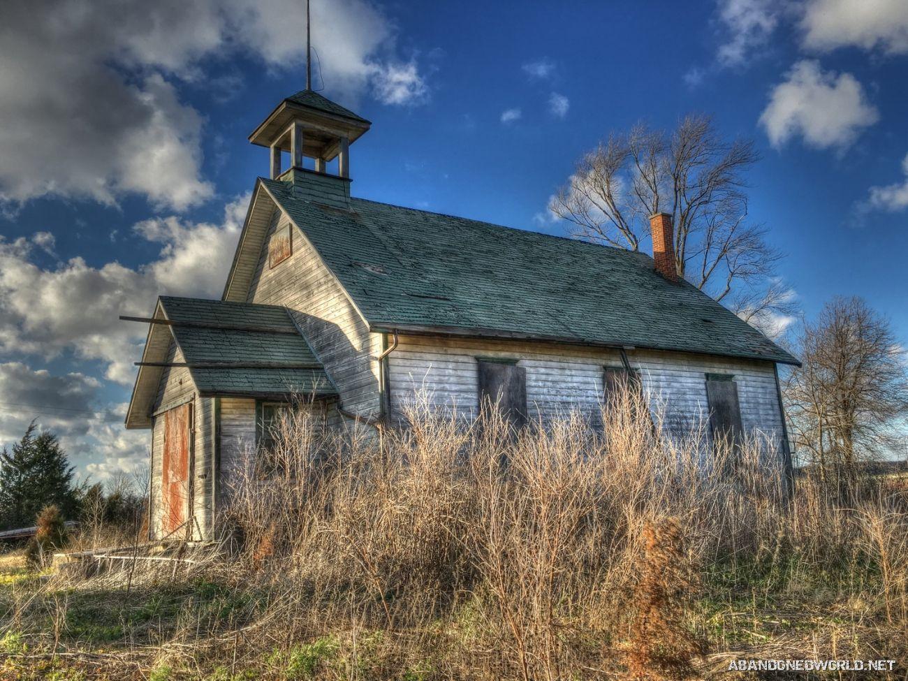 Beautiful Old Abandoned Ontario Schoolhouse Abandoned