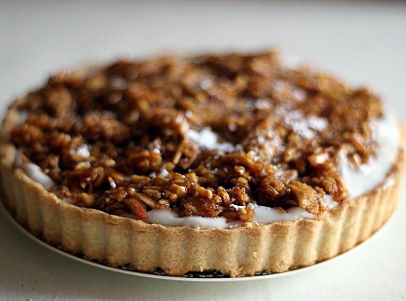 Apple honey and coconut pie