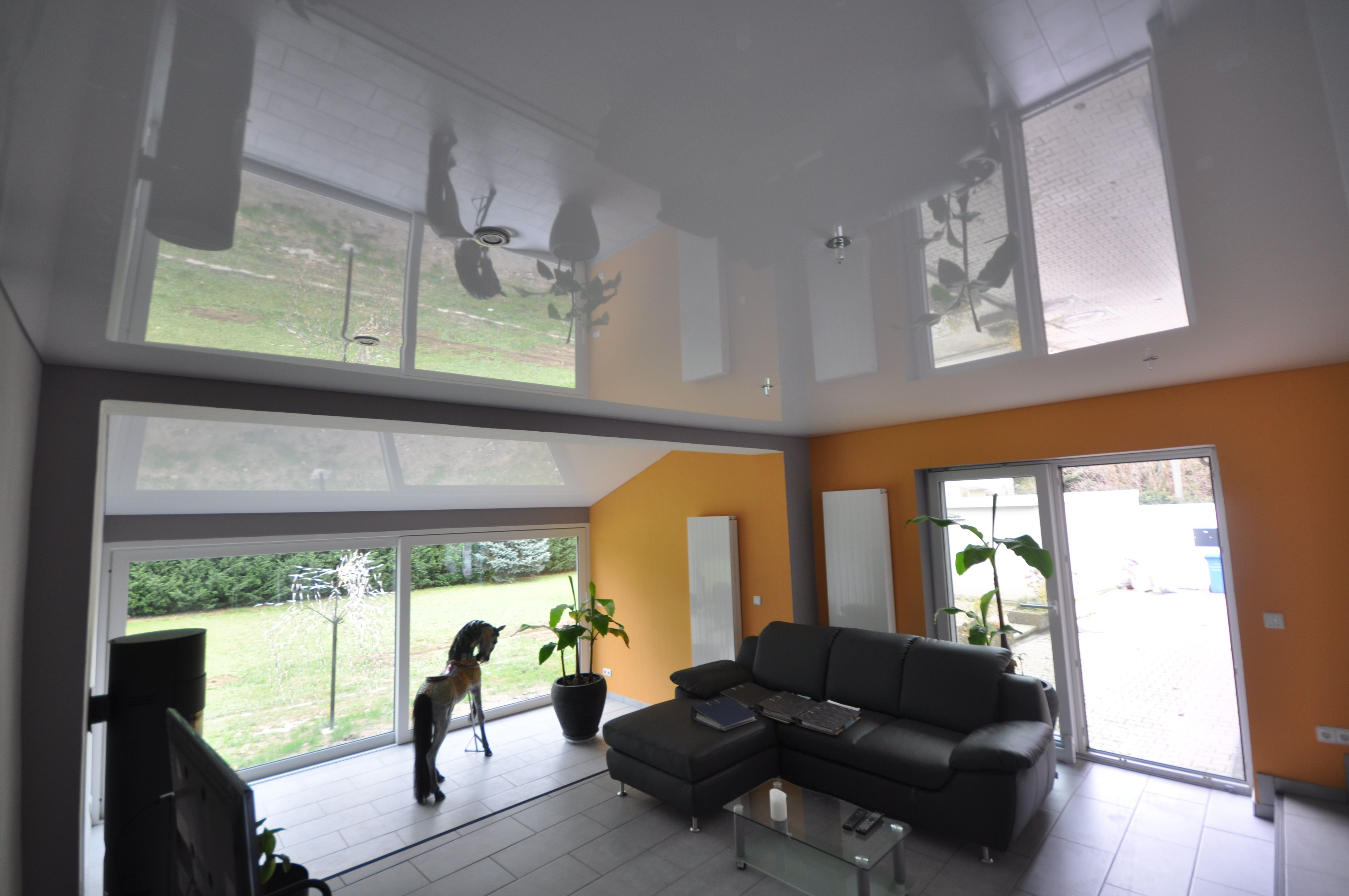 Wohnzimmer Decke ~ Spanndecke in weiß hochglanz im wonzimmer wohnzimmer decke