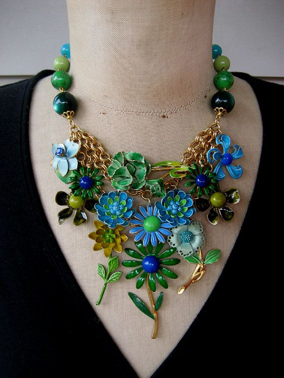 Vintage Enamel Flower Necklace Bib Necklace Turquoise  by rebecca3030.etsy.com