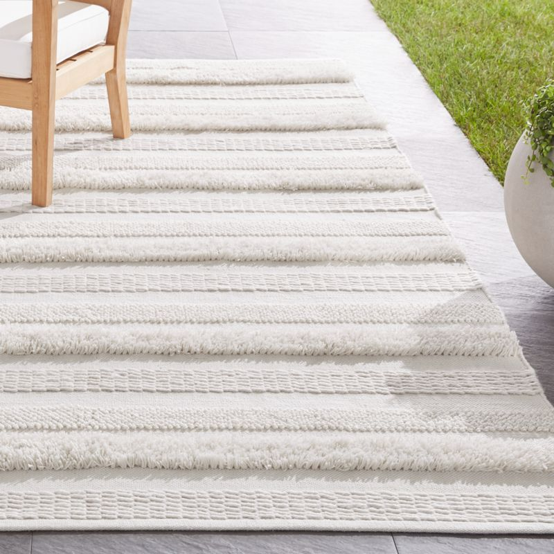 Alma Ivory Fringe Indoor Outdoor Rug Crate And Barrel In 2020 Indoor Outdoor Rugs Outdoor Rugs Outdoor Carpet