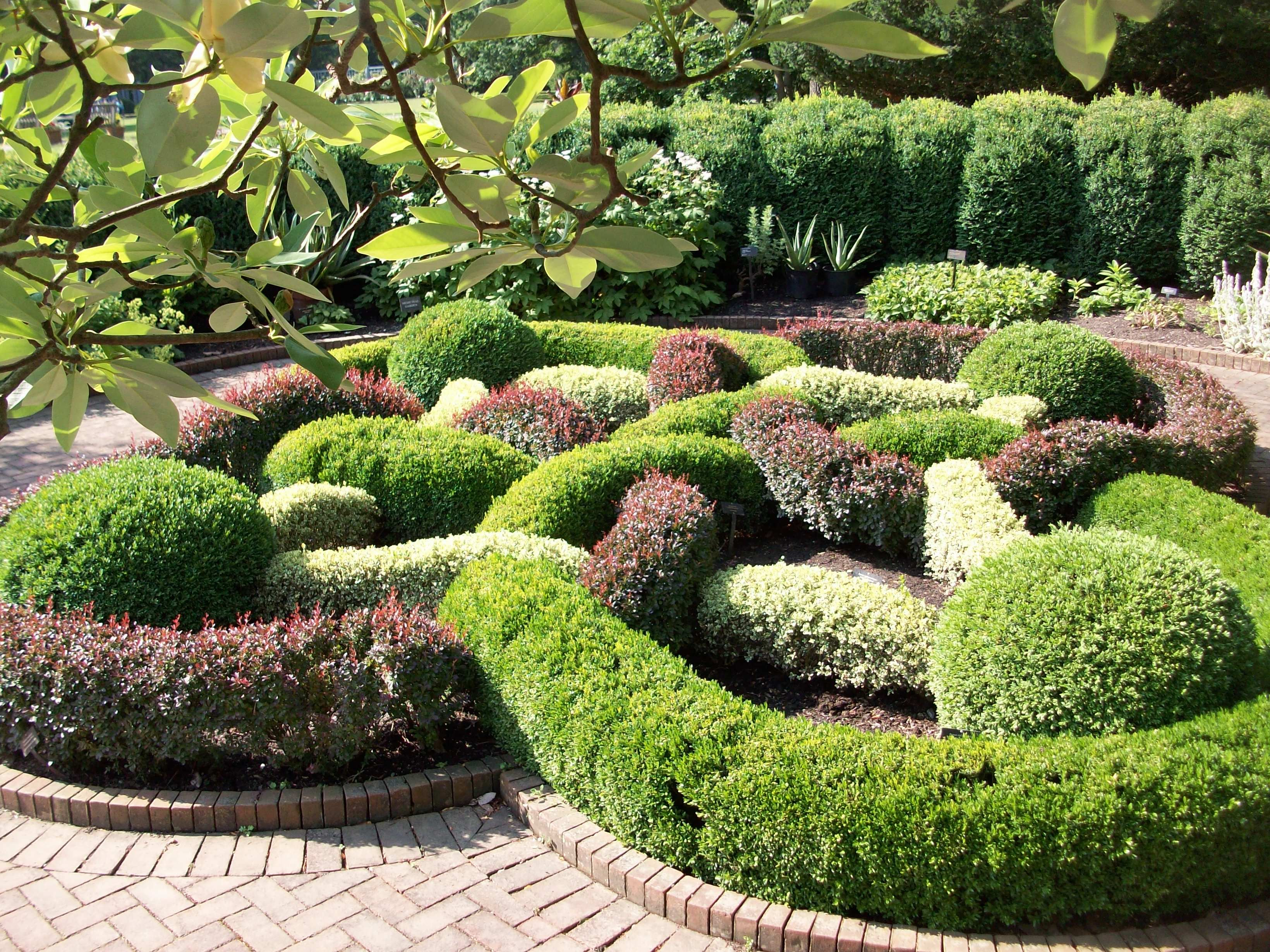 Topiary Garden Design Ideas Part - 27: Knot Gardens Might Be The Ultimate Topiary