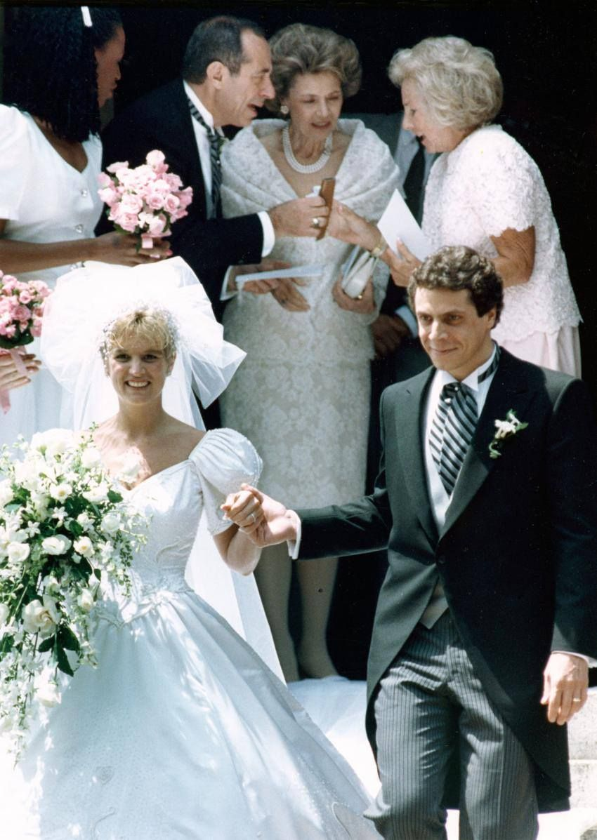 Kerry Kennedy And Andrew Cuomo Leave St Matthew S Cathedral In Washington On June 9 1990 Hand In Hand After Excha Andrew Cuomo Hollywood Wedding Wedding Vows