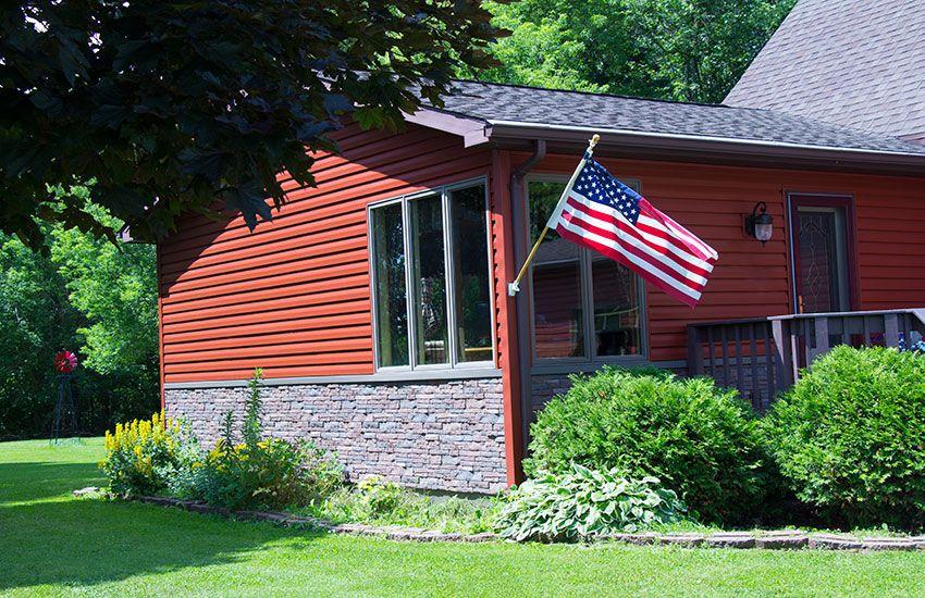 Red Alside Siding And Exteria Vinyl Brick Siding On This Manitowoc Wisconsin Home Brick Siding Vinyl Brick Siding Alside Siding
