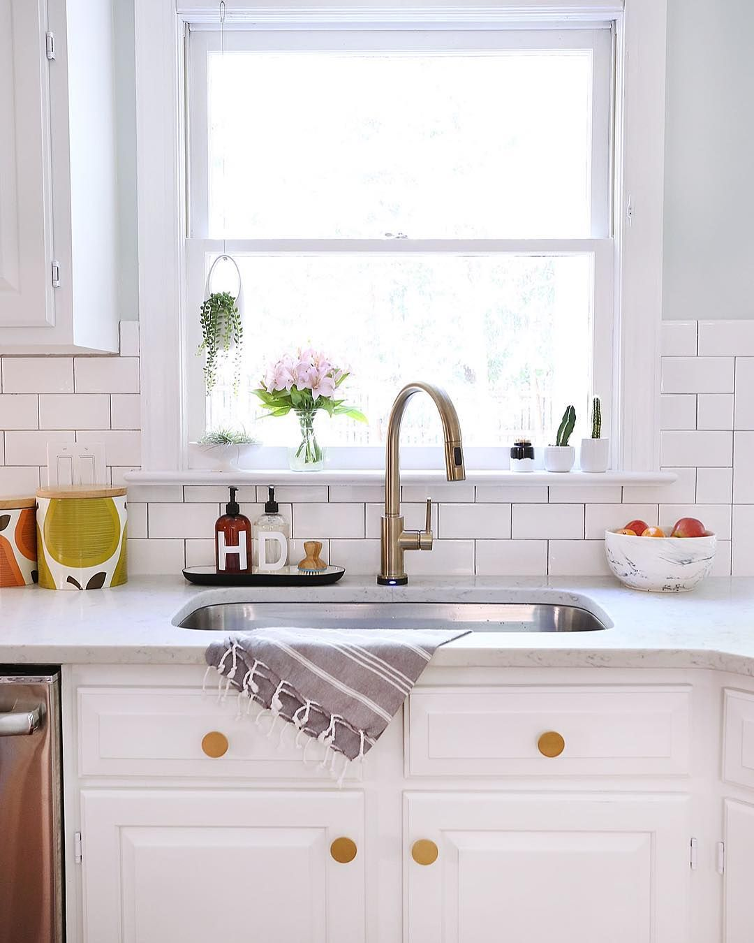 Pin by Daisy Spring on Kitchens *** | Kitchen cabinets ...