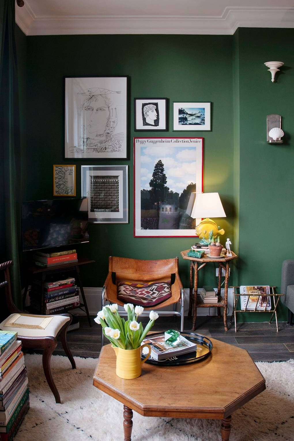 95 Ways To Decorate A Flat Living Room Green Dark Green Living Room Green Rooms
