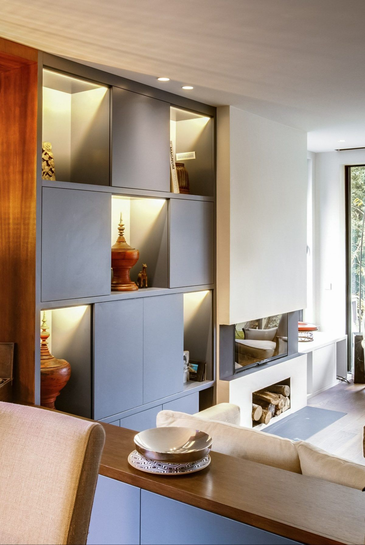 meuble de rangement sur mesure bibliotheque tv hifi retour cote salle