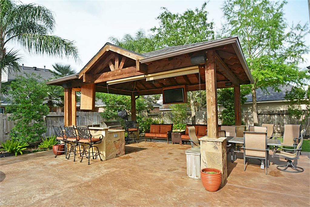 22106 Shallow Creek Ln Katy Tx 77450 Photo Outdoor Kitchen Spares No Expense And Is An Entertainer S Delight Outdoor Tv Stays With Outdo Backyard Outdoor Living Areas Outdoor Living