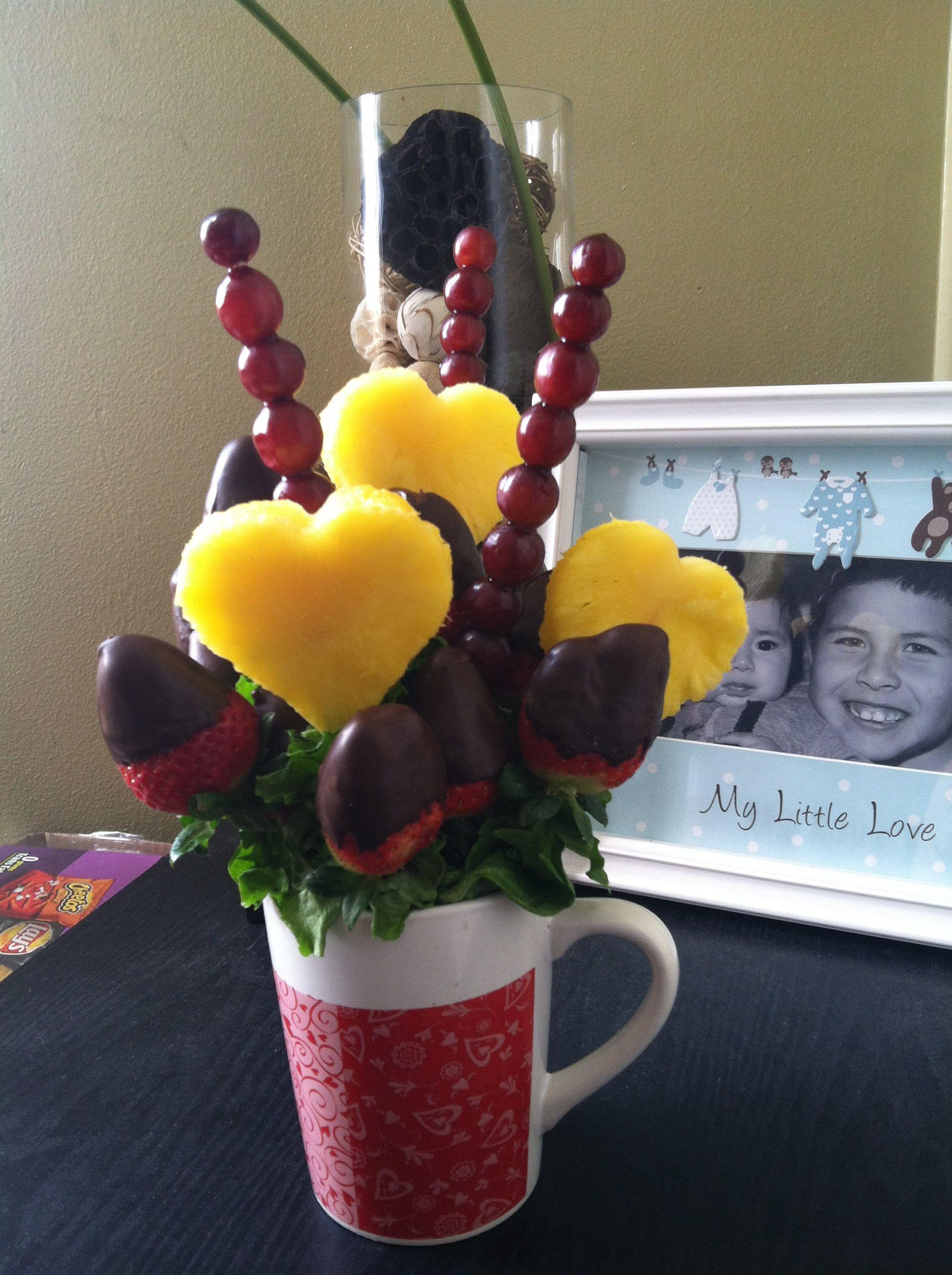 DIY Eddible Arrangements! Fruit basket gift, Fruit
