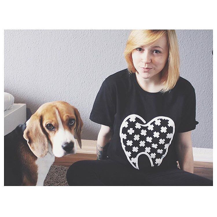 UWE WISDOM SHIRT  Franziska @franziska.kuttler und Emma   Link www.UWEAPPAREL.com  Snapchat  uweapparel  WE SHIP  WORLDWIDE  #love #instagood #smile #sale #girl #beagle #blond #graphicdesign #design #blonde #crew #instagood #tattoo #dog #tattooed #tattoedgirl #photooftheday #shirt #vsco #picoftheday #instadaily #fashion #black #streetwear #tooth #diy #handmade #teeth #cute #eyes #shirt by uweapparel