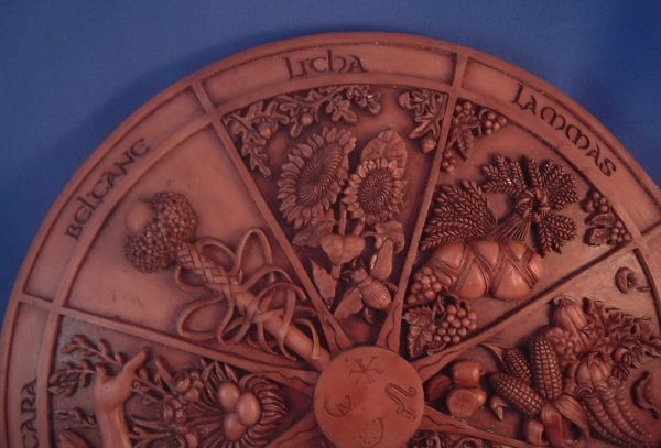 https://www.goddessgift.net/images/wheel-of-the-year-licha-detail-ss-wyp.jpg