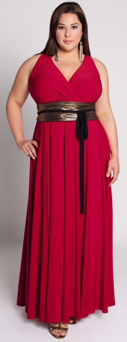 A FULL FIGURED WOMAN IN A NICE RED DRESS. BEAUTIFUL ...
