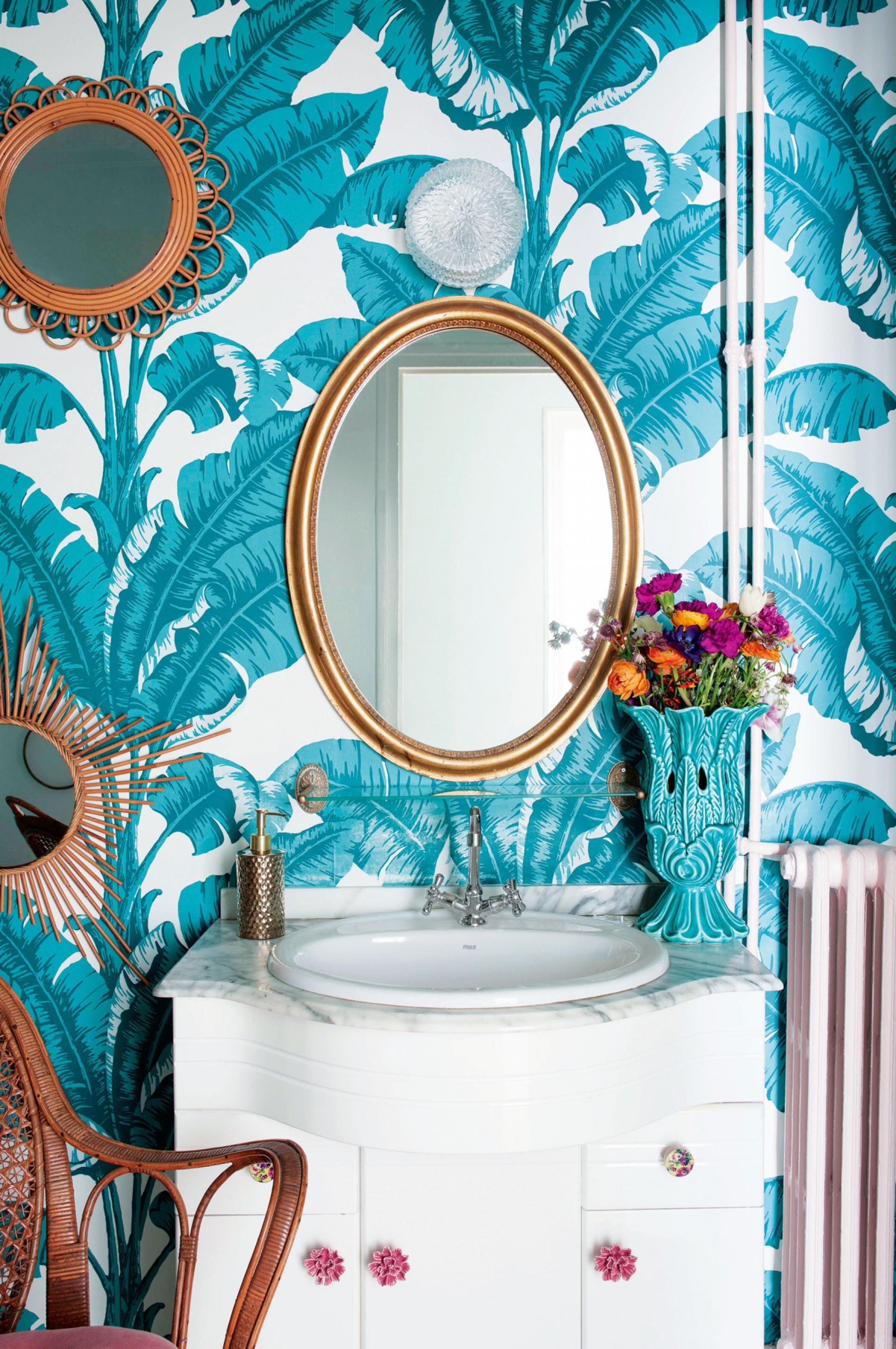 blue palm wallpaper bathroom in 2020 Bathroom wallpaper