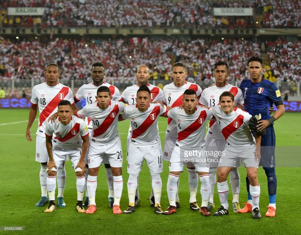 104e92ba0 Peru s football team players pose for a picture before the start of their  2018 World Cup qualifier football match against Colombia