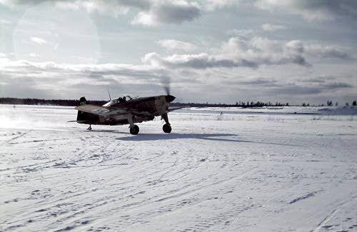 MS-hävittäjäkone (Morane-Saulnier) Viitanan lentokentällä. Äänislinna, Viitana 1942.03.17