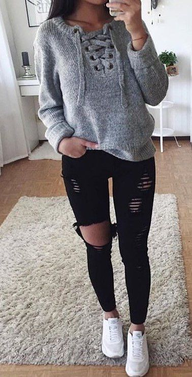 Summer Outfits Grey Lace Up Knit Black Ripped Skinny Jeans