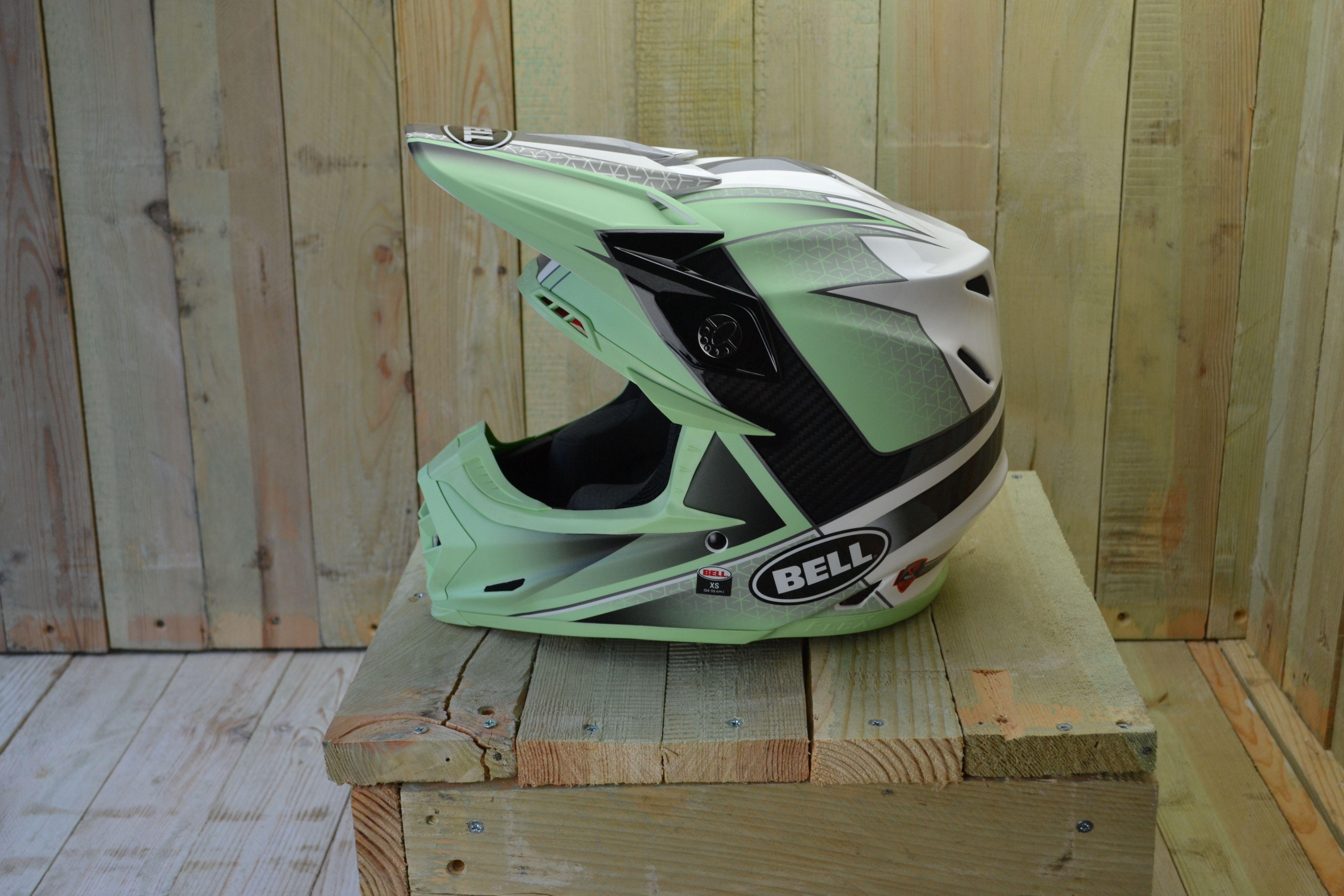 3c858f25 Bell Moto 9 Carbon Flex Hound Green White Black Helmet   ของดีน่าซื้อ