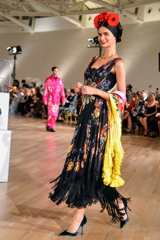 1261271df1 Dolce & Gabbana's Alta Moda Descends on Mexico City—And Sophia Loren Comes  Along for the Ride