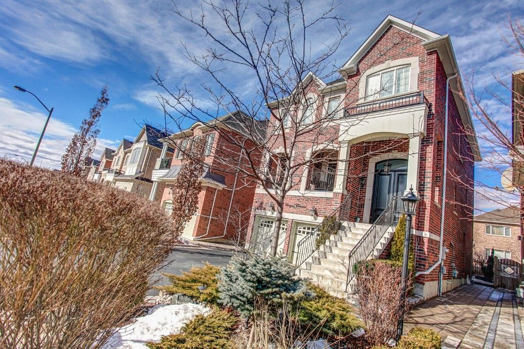 Photo 3: Photos: 42 Chayna Crescent in Vaughan: Patterson Freehold for sale