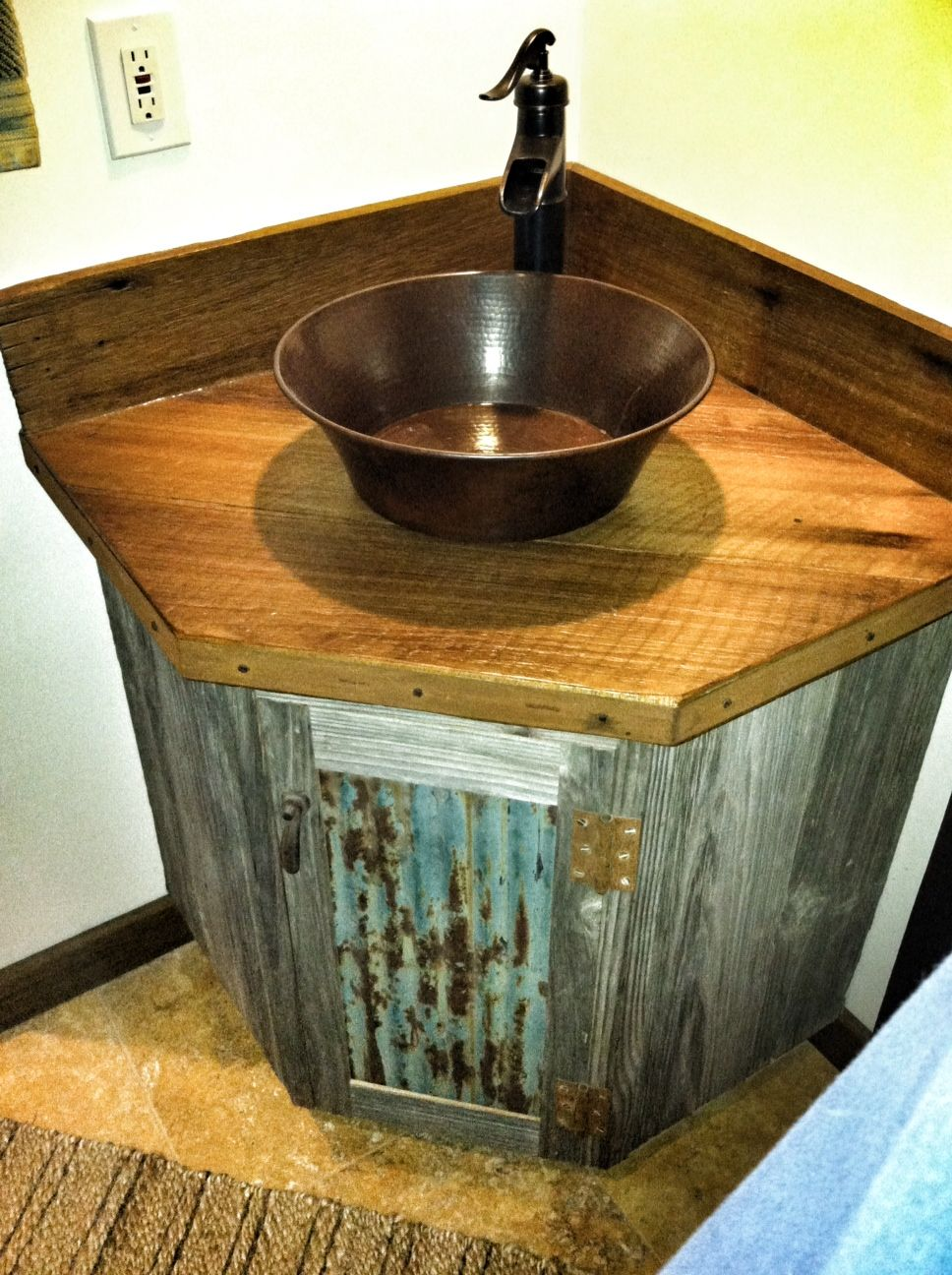 Rustic Bathroom Vanities And Sinks Barn Wood Bathroom Vanity I Like The Door On This Would Be Cute