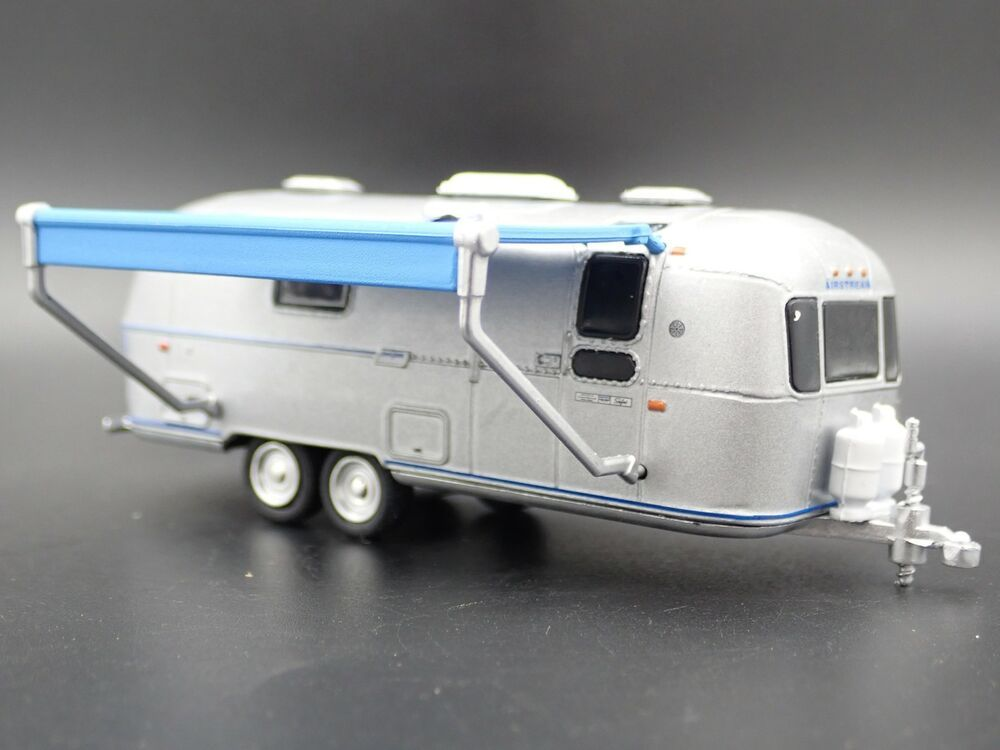 1971 Airstream Land Yacht Double Axle Trailer Camper 1 64 Diorama Diecast Model Airstream Airstream In 2020 Vintage Trailers Diecast Model Cars Diecast Cars
