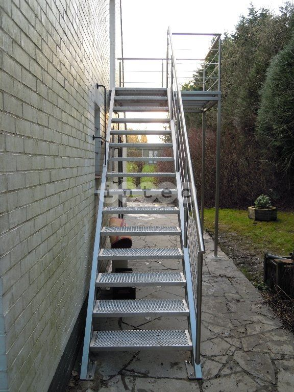 Best Exterior Metal Stairs Google Search Exterior Stairs 400 x 300