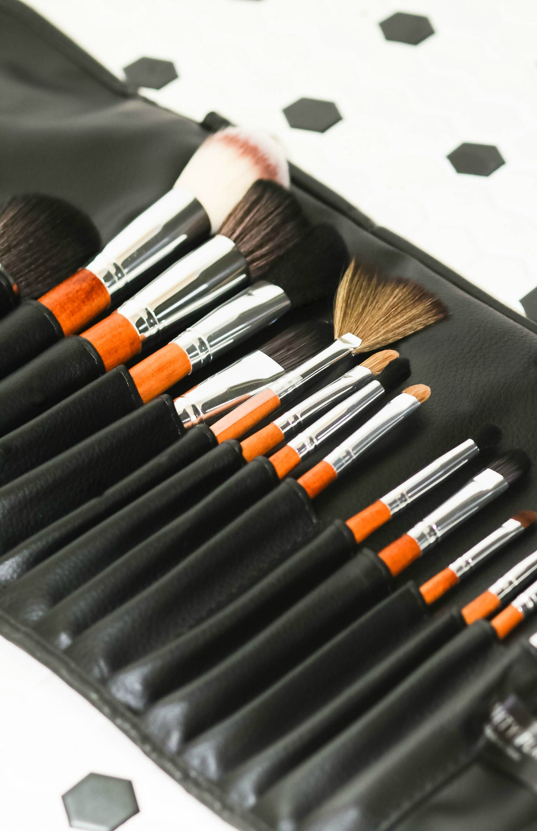 15 Vanity Makeup Brushes (And How to Properly Use