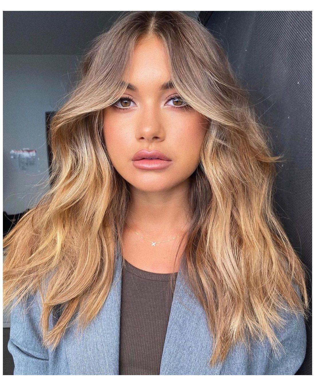 25 Slimming Hairstyles For Round Faces Haircut For Long Hair Round Face Haircutforlonghai In 2020 Haircuts For Wavy Hair Bangs With Medium Hair Long Hair Styles