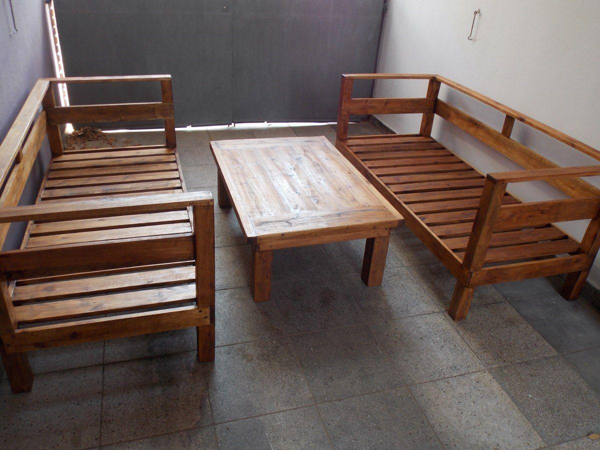 Juego de living en eucalipto compuesto de 2 sillones de 3 for Mesa ratona