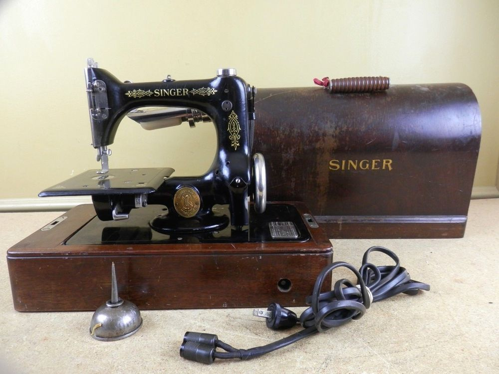 Antique 40 Singer Sewing Machine Model 4040 Chain Stitch Bentwood Simple 1923 Singer Sewing Machine