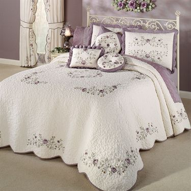 Vintage Bloom Lavender Grande Bedspread Bedding Bed Linens