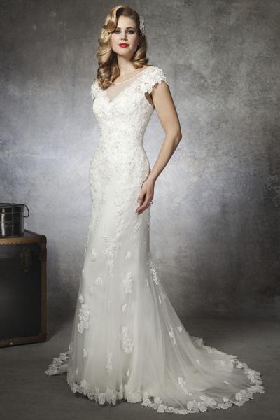 Best Wedding Dress For Curvy Figure | Lace Wedding Dress ...