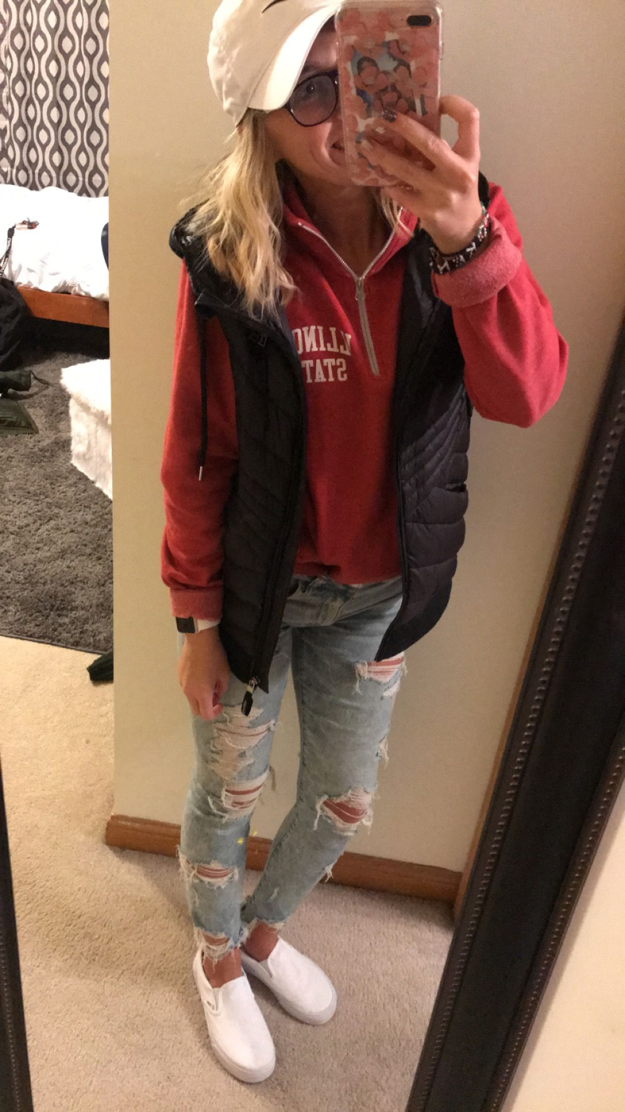 cute casual outfit!  Casual college outfits, Casual school