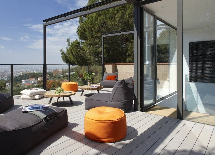 Sitzsäcke und Sitzkissen zum Chillen auf der Terrasse