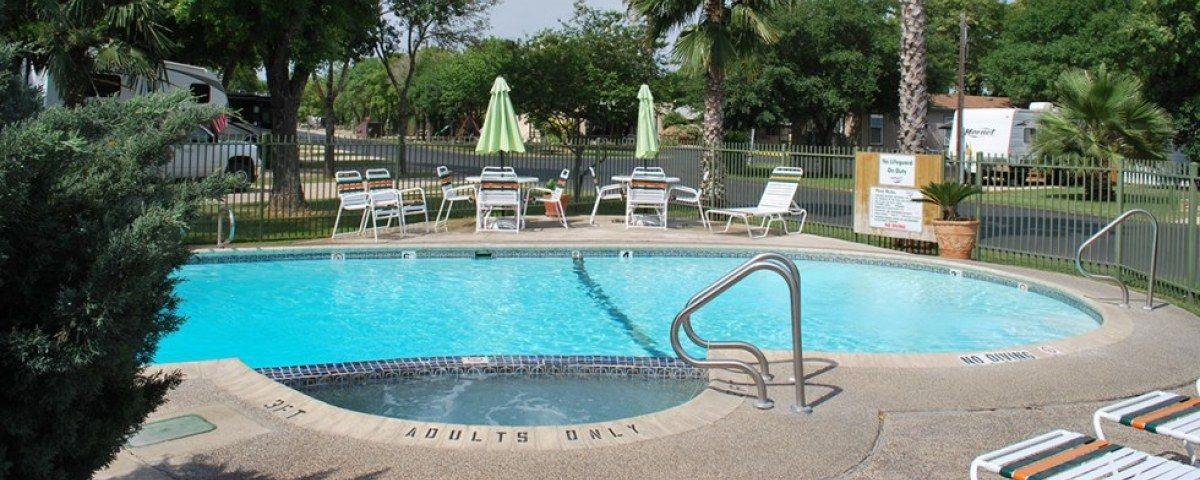 Travelers World Rv Resort In San Antonio Texas Rv Parks Camping In Texas Camping Places