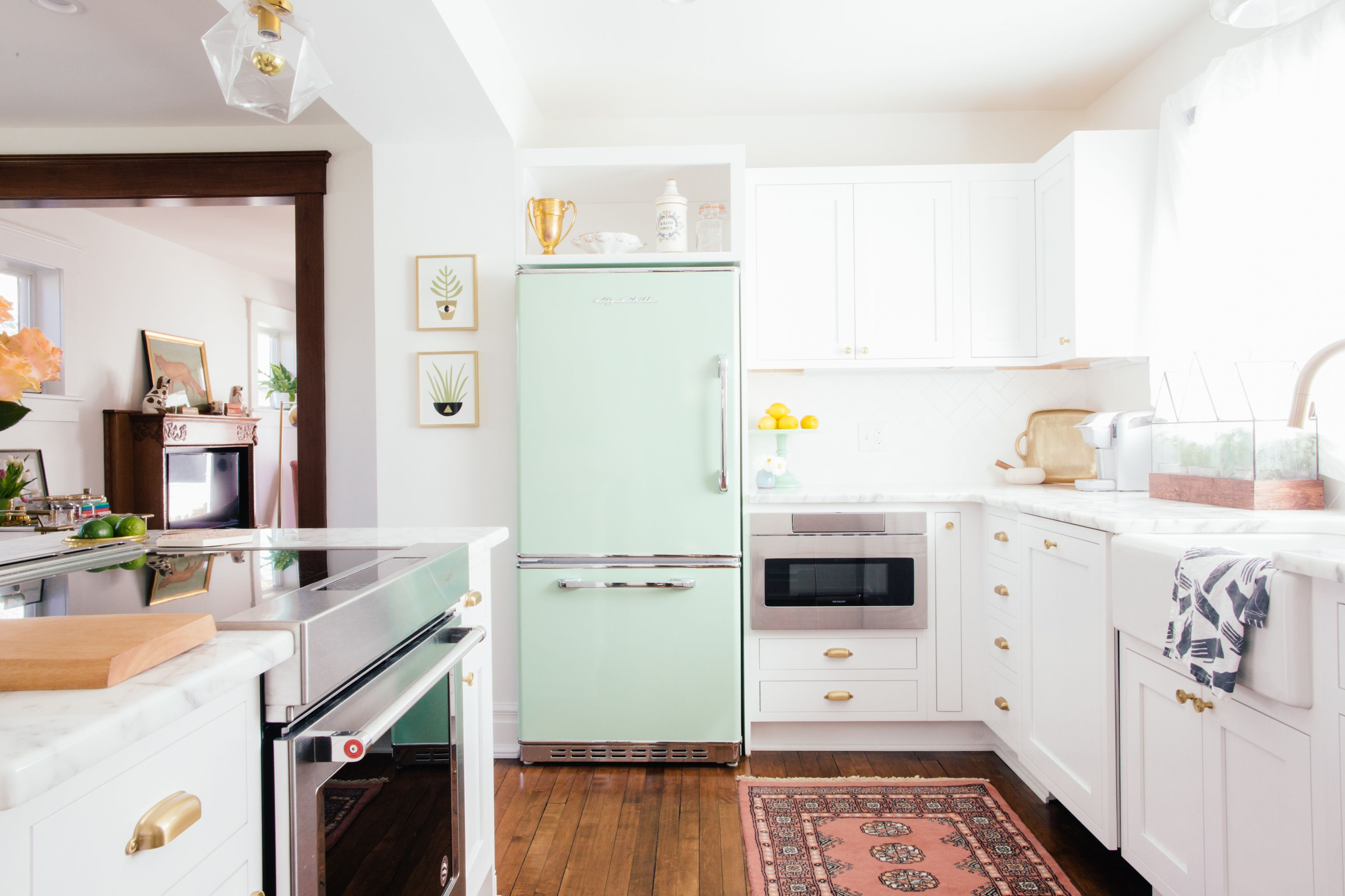 A New Yorker Transforms An 1890s Michigan House Into A Hip Cozy Home Kitchen Work Triangle Kitchen Trends Rental Kitchen