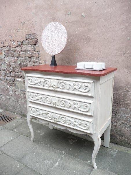 Meuble bois peint patiné, dessus tadelakt Perfectino brique rouge - meuble en bois repeint