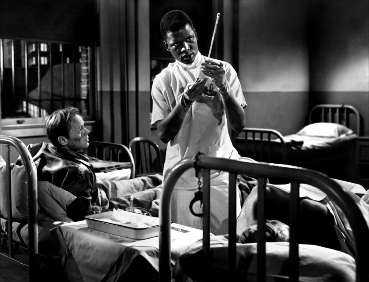 Richard Widmark With His Life Long Friend Sidney Poiter In No Way Out Sidney S First Flim Cinema Challenge Actualite