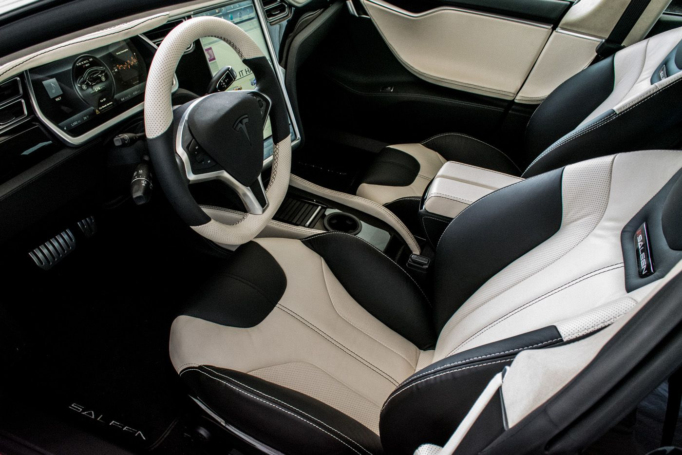 Leather Seats For Interior Also Cover Steering Wheel And LCD Navigation