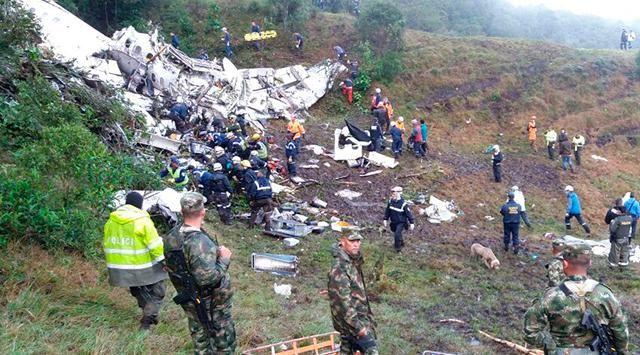 RT @GolCaracol: Funcionario aeroportuario de Bolivia fue detenido por el accidente de Chapecoense https://t.co/vyAKGoXash https://t.co/h9WVzkw0Ns